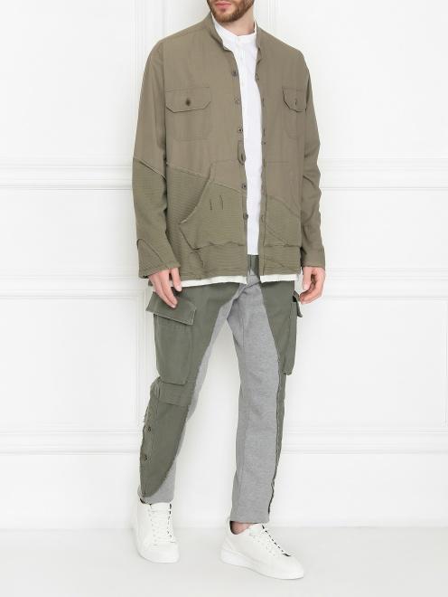 Комбинированные брюки карго из смешанного хлопка - Общий вид