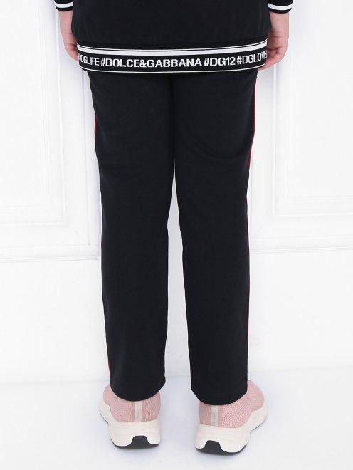 Спортивные брюки с лампасами - МодельВерхНиз1