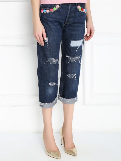 Укороченные джинсы с декоративной отделкой - МодельВерхНиз