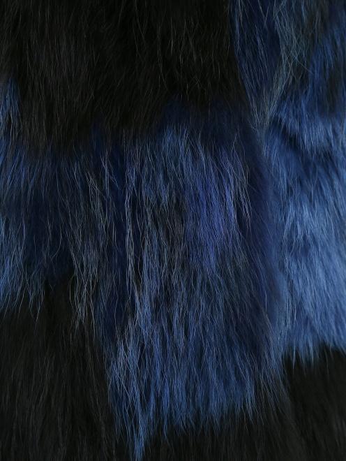 Жилет из меха енота - Деталь1