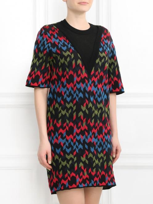 Платье-мини с узором - Модель Верх-Низ