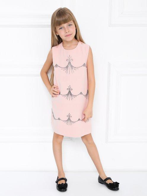 Платье-трапеция декорированное стразами - Общий вид