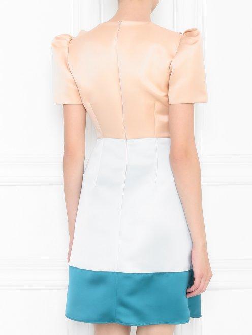 Платье с полупрозрачной вставкой, декорированное пайетками - МодельВерхНиз1