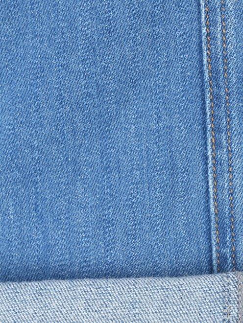 Укороченные узкие джинсы из плотного денима - Деталь2