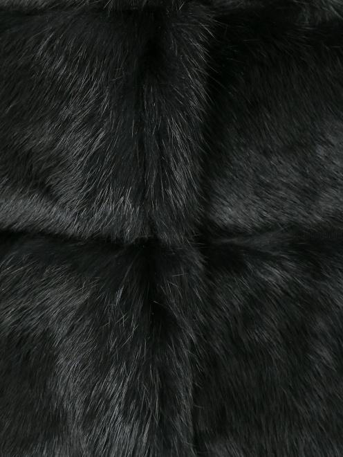 Шуба из меха кролика с укороченными рукавами - Деталь