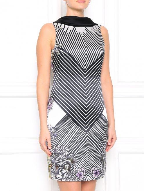 Платье с открытой спиной и узором - Модель Верх-Низ